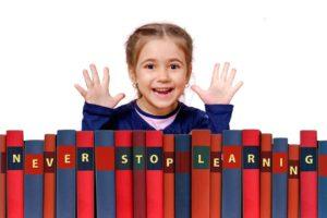 ילדה וספרים